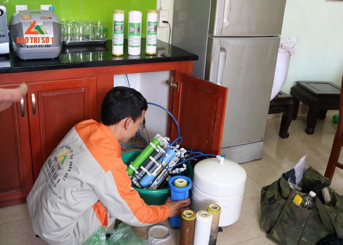 Thay lõi lọc nước tại nhà giá tốt nhất thị trường