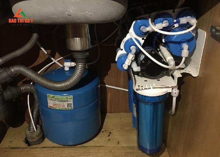 Thay lõi lọc nước giá rẻ tại nhà có bảo hành
